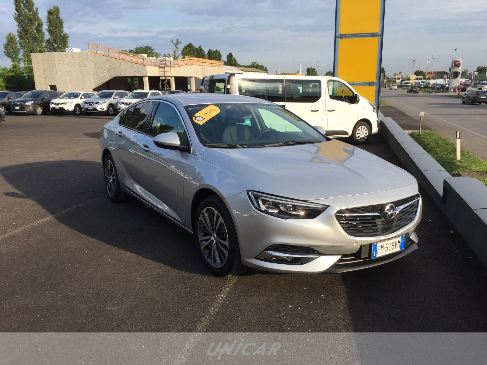 UNICAR Opel Insignia